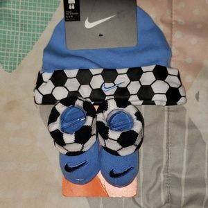 Nike infant hat and booties